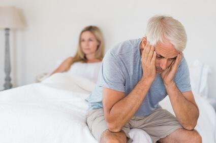 couple-silence-indiference-souffrance crise seniro age