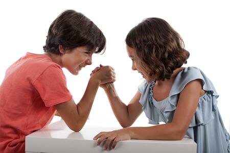 familles fratrie rivalite jeu affection