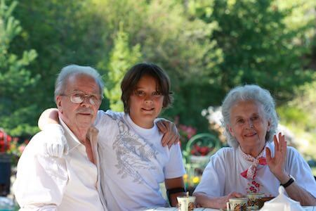 seniors famille intergeneration